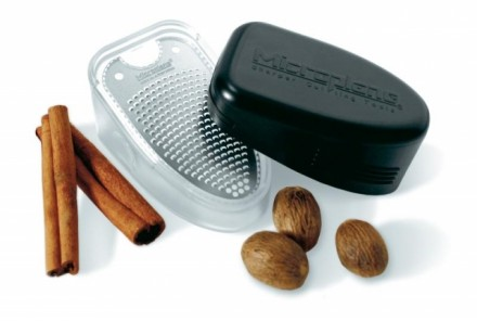 Grater & Shaker for spices